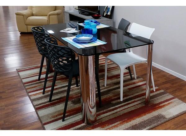 Tavolo modello Scott L160x90 basamento metallo e piano in vetro fumé